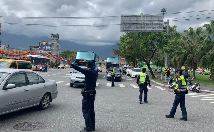 花蓮警將站前車道分流 旅客行車順暢與安全再加分